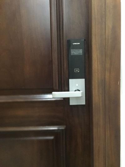 Lắp đặt Khóa thẻ từ mã số Unicor UN 6700SK chung cư